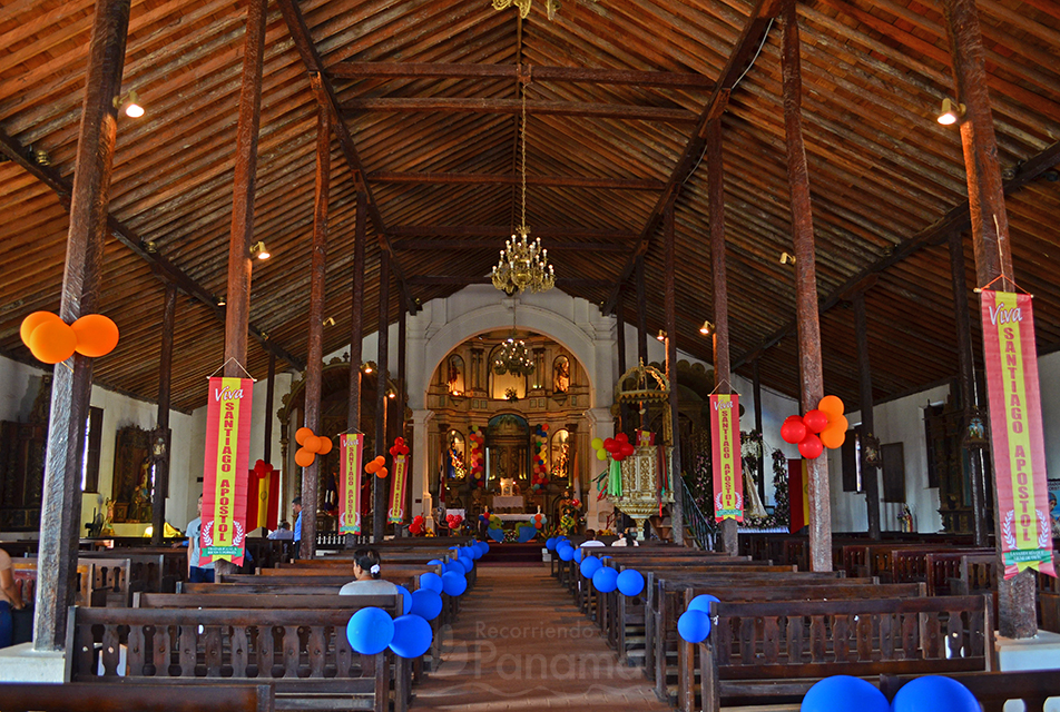 Basilica Santiago Apóstol- interior.