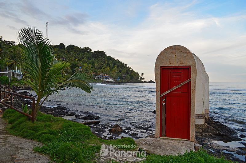 Puerta Roja.