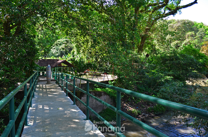 puente-sobre-el-río