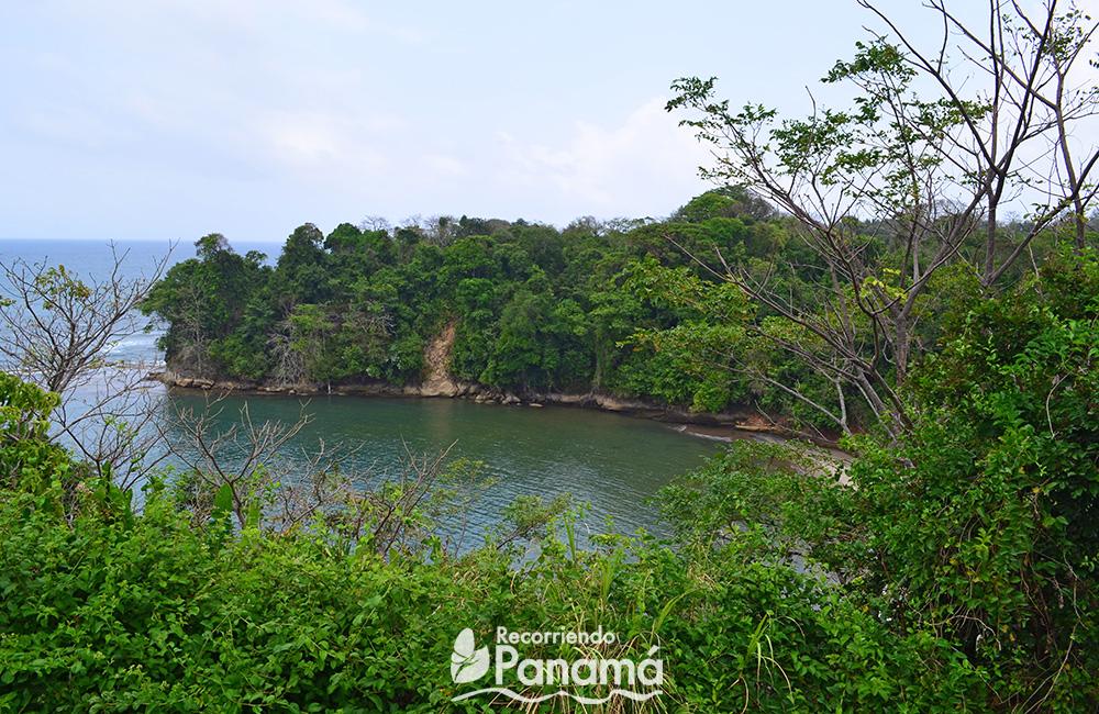 Una de las playas que se puede divisar desde el Adarve.