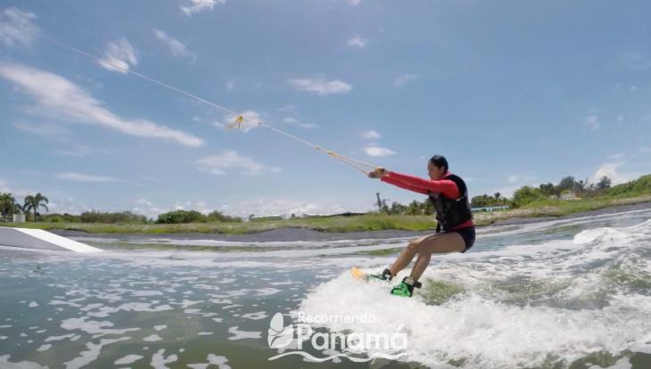Jimara en wakeboard