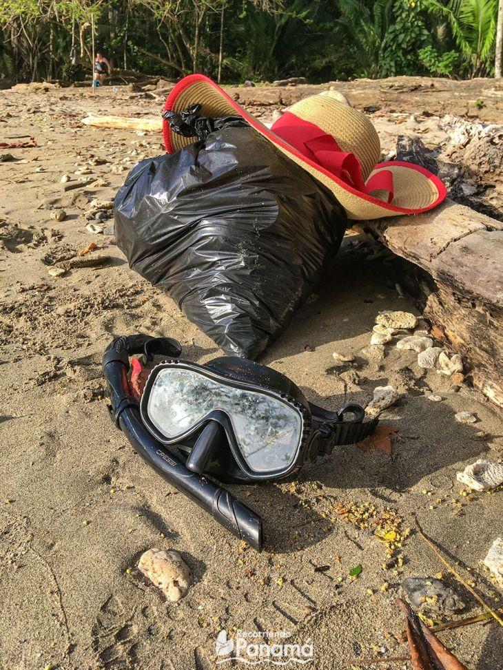 Recuerda en cada visita llevarte tu basura y si puedes, recoge un poco de lo que hay.