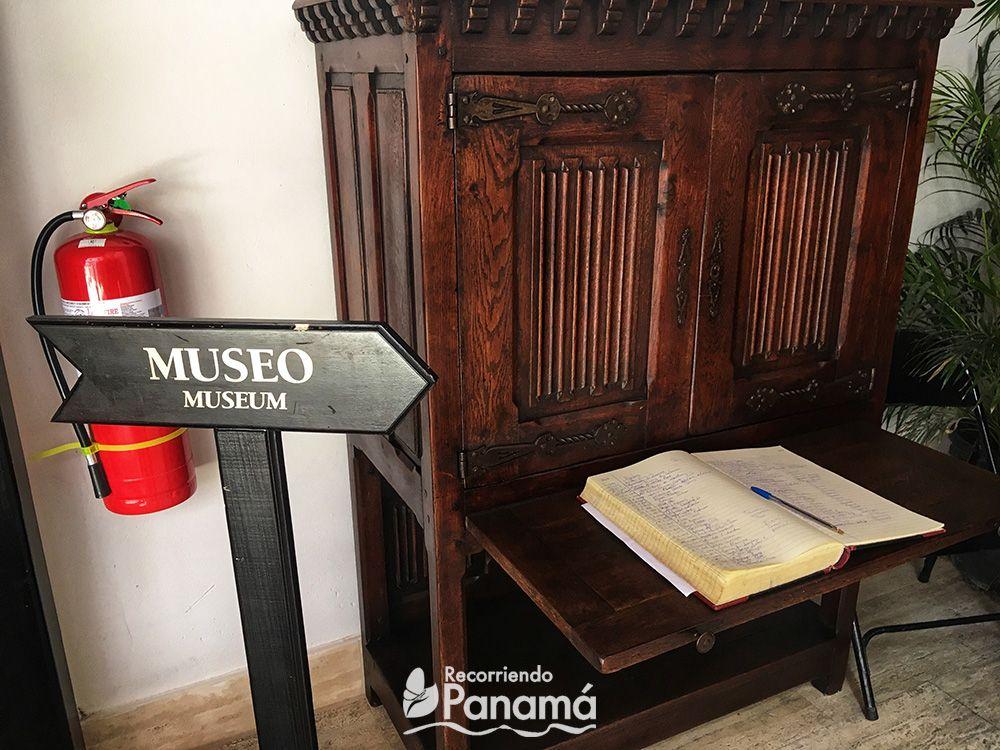 Entrada a la parte cerrada del Museo La Orden de la Merced.