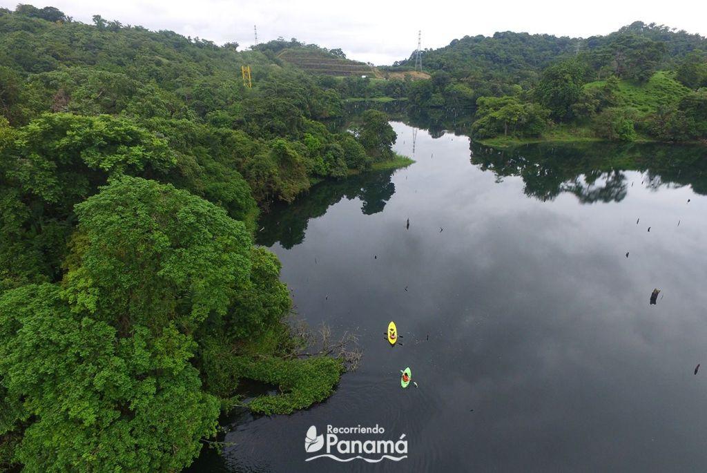 Kayak en el Lago Gatún.
