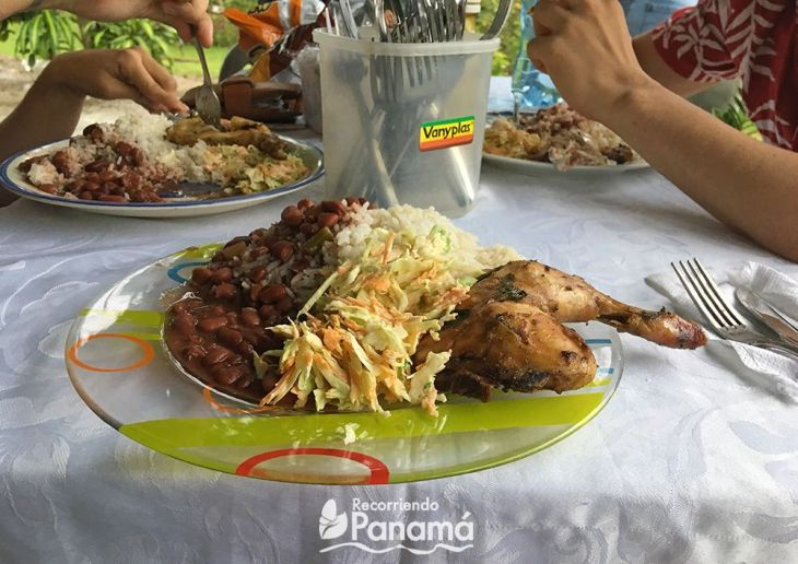 11-Las-damas-comida