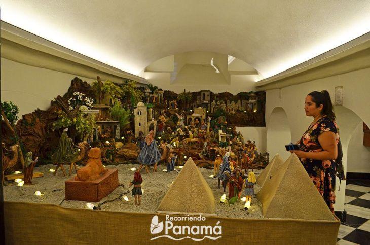 Sótano de la Basílica Catedral Metropolitana Santa María La Antigua, contiene criptas y un nacimiento.