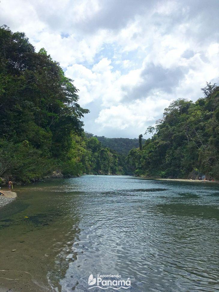 Vista desde La Playita al río Chagres