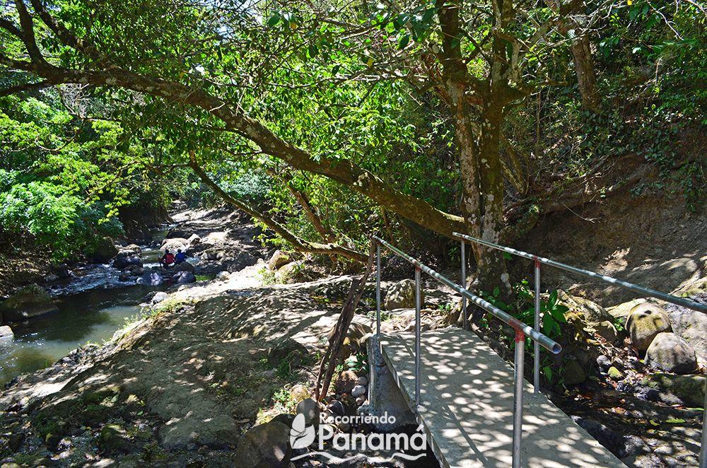 Puente en el Chorro Las Mozas.